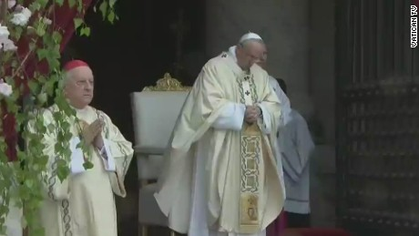 lklv wedeman pope mass easter_00003128