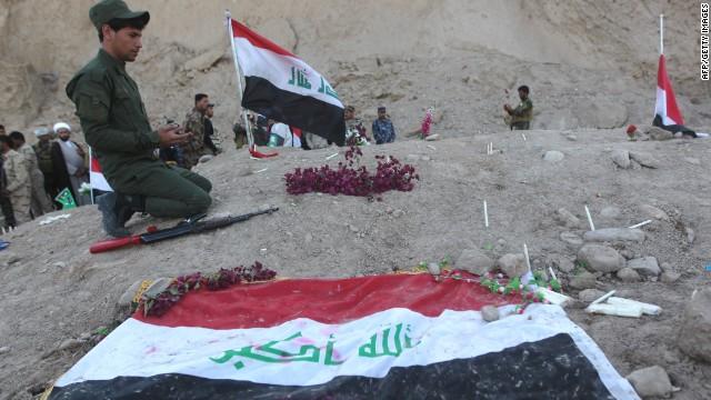 Hallan fosas comunes de ISIS en Iraq con 1.700 cadáveres