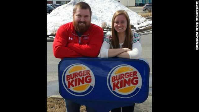 Burger King pagará la boda del Sr. Burger y la Sra. King