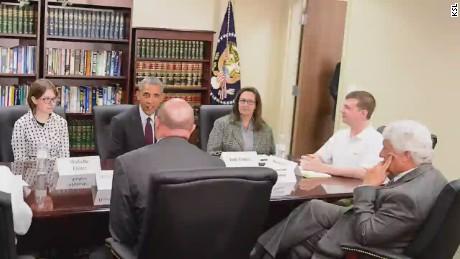pkg obama visit utah man casual polo_00014523.jpg