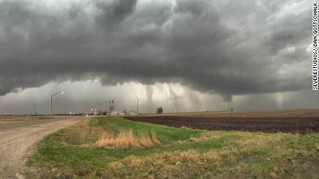 Tornadoes Strike In Iowa Illinois And Ohio Cnn Video