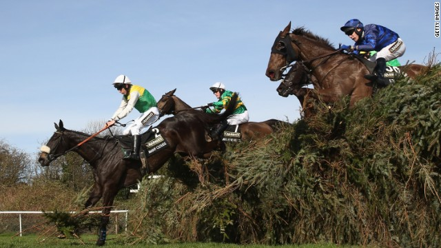 Many Clouds gana el Grand National
