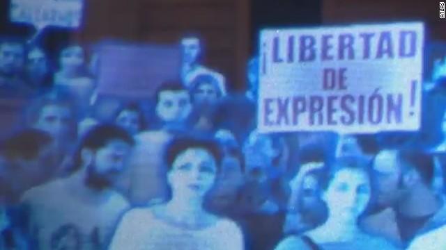 Manifestación de hologramas en Madrid contra la Ley Mordaza que limita el derecho de manifestación