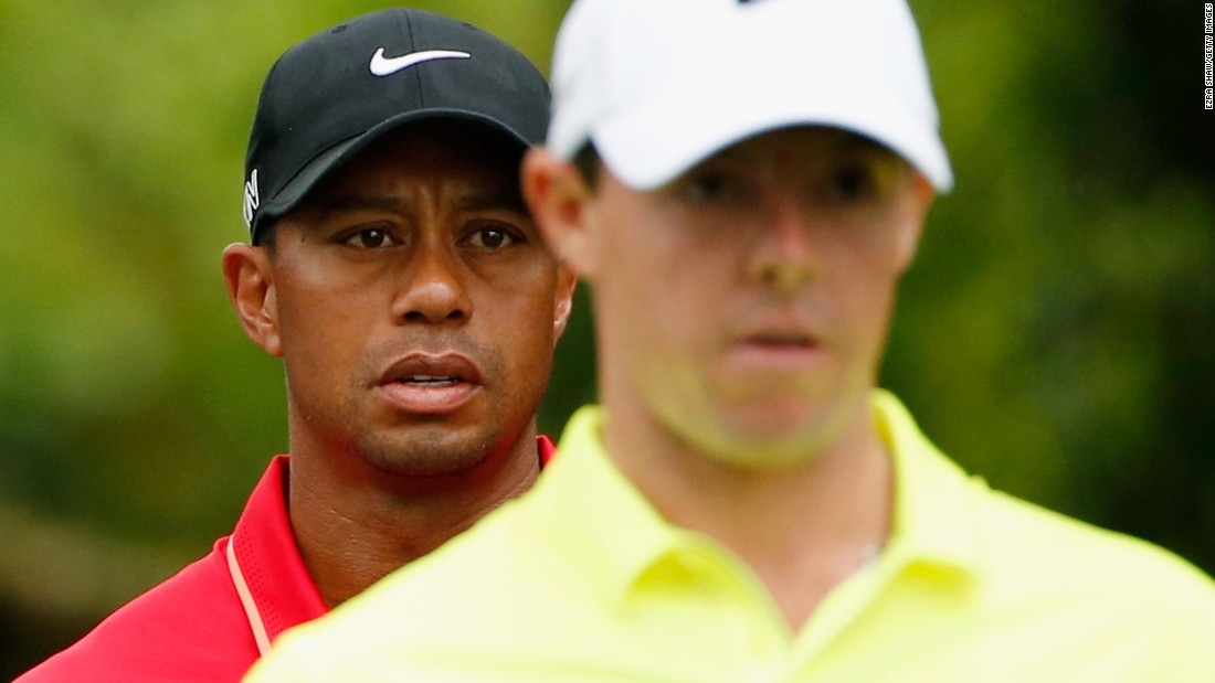 Tiger Woods, playing with world No. 1 Rory McIlroy, had a frustrating start to his final round -- carding five pars and two bogeys in his first seven holes.
