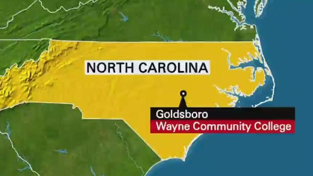 Arrestan a sospechoso de tiroteo en universidad de Carolina del Norte