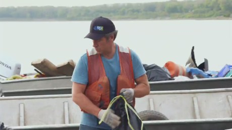 mike rowe river rescue_00010924.jpg