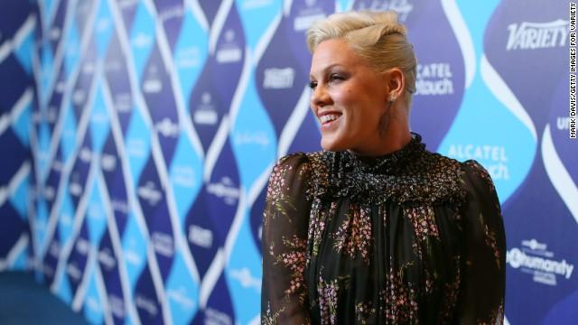 La cantante Pink responde a los que se burlan de su peso