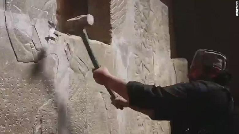 erin pkg pleitgen isis destroyes important archaeological site_00002828