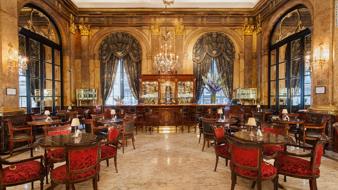 There's no more elegant place for a drink in Buenos Aires than Alvear Palace's iconic Lobby Bar, where businessmen and celebrities have socialized since 1932.