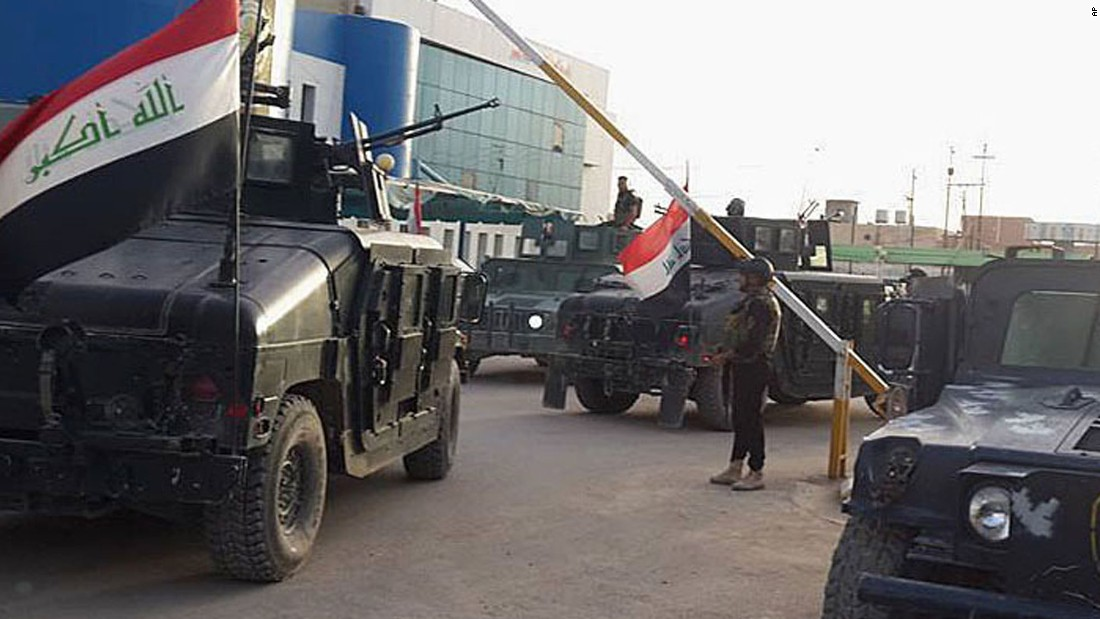 Security forces arrive to Ramadi to join the battle against ISIS on April 15. The aim of the ISIS militant group is to create an Islamic state across Sunni areas of Iraq and Syria.