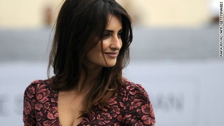 "Spanish actress Penelope Cruz poses during a photocall poses after the screening of Italian director Sergio Castellitto's film ""Venuto al Mondo"" during the 60th San Sebastian International Film Festival, on September 25, 2012, in the northern Spanish Basque city of San Sebastian.  AFP PHOTO/ RAFA RIVAS        (Photo credit should read RAFA RIVAS/AFP/GettyImages)"