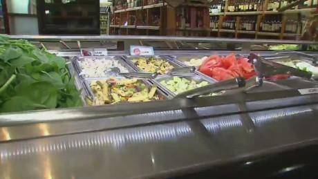 Vive la salud: las mejores opciones al preparar tu ensalada._00022013