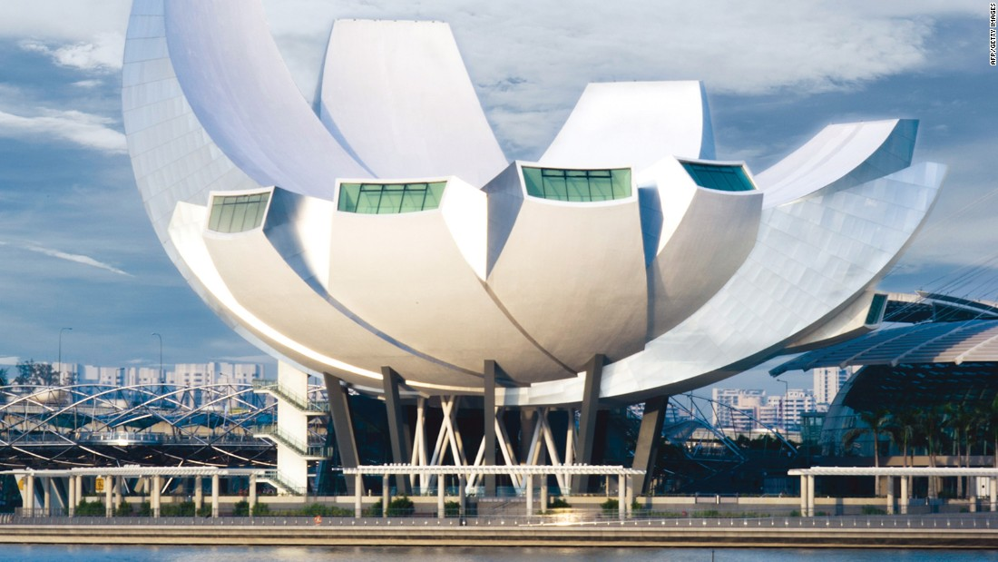 Moshe safdie the architect that shapes singapore for Famous buildings in singapore