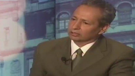cnnee cala mexico on disappeared students intvw carlos moreno zamora_00053128