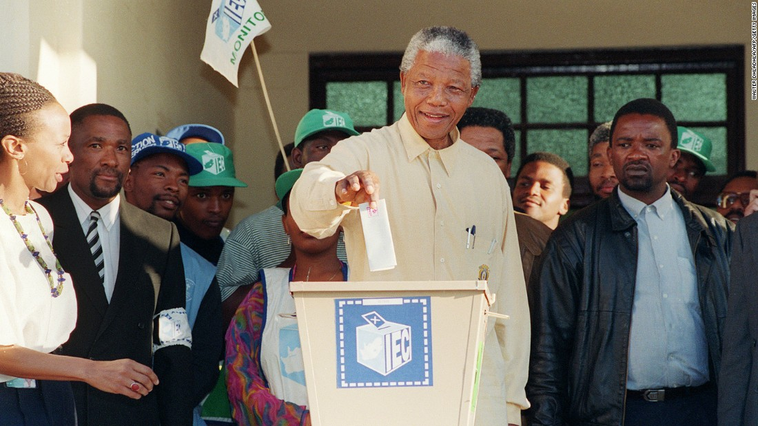 politics during nelson mandelas presedency 10 may, nelson mandela's presidential inauguration takes place at the historic union buildings in pretoria this is witnessed by over 100,000 people on site, and millions of people around.