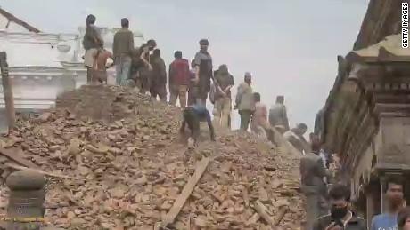 segment harlow schrieber nepal earthquake_00002207.jpg