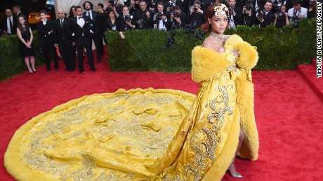 Rihanna arrives at the 2015 Metropolitan Museum of Art#39;s Costume Institute Gala benefit in honor of the museums latest exhibit China: Through the Looking Glass May 4, 2015 in New York.