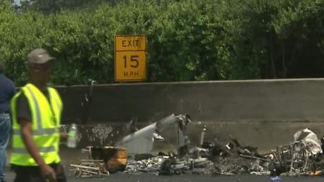 lv sot savidge plane crash on atlanta interstate_00004703