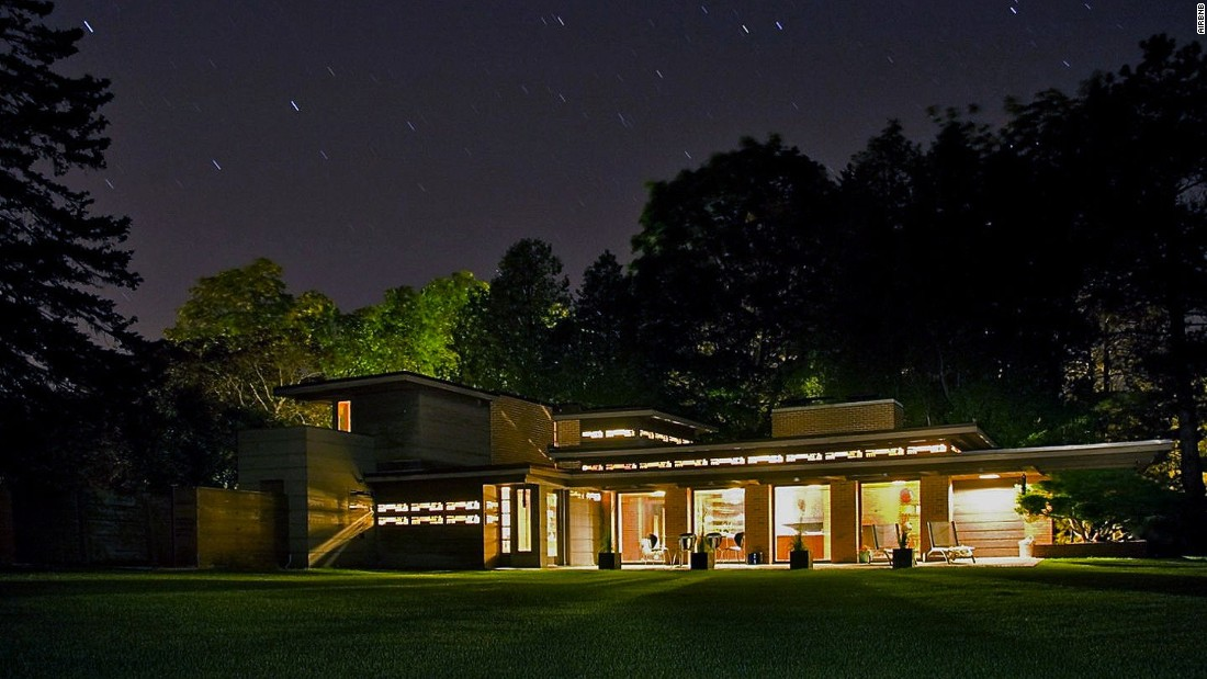 Like many Frank Lloyd Wright homes, the Bernard Schwartz House harmonizes with its natural setting -- in this case a wooded, riverside plot in eastern Wisconsin. It's one of the few Frank Lloyd Wright houses available for rent.