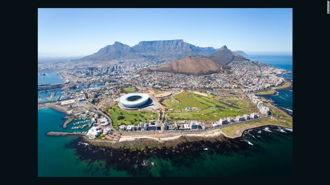 Cape Town International's runway offers views of South Africa's famous Table Mountain, located approximately 29 miles from the airport. PrivateFly voters ranked it as the world's 10th best airport approach.