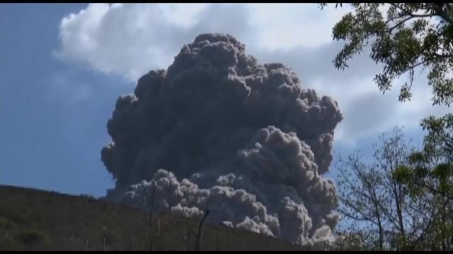 http://i2.cdn.turner.com/cnnnext/dam/assets/150513122130-cnnee-vo-la-prensa-nicaragua-volcano-erupts-00004416-horizontal-gallery.jpg