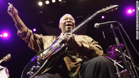 B.B. King performs on stage during the Nice Jazz Festival on July 20, 2009 in Nice, France. AFP PHOTO VALERY HACHE (Photo credit should read VALERY HACHE/AFP/Getty Images)