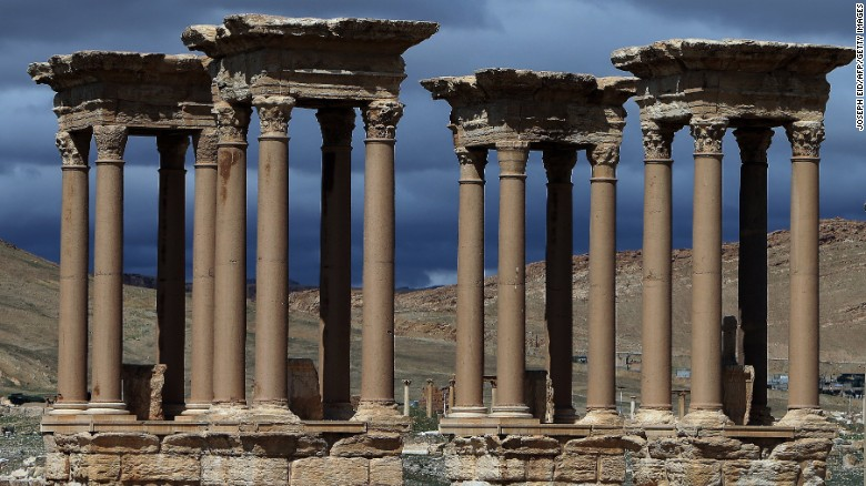 The Tetrapylon (Monumental Entrance) was reconstructed by the Directorate of Antiquities of Syria in 1963.