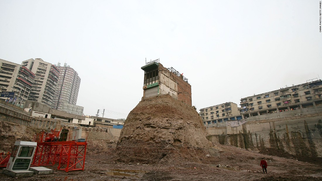China 39 s 39 nail houses 39 the homeowners who refused to budge for Building site house