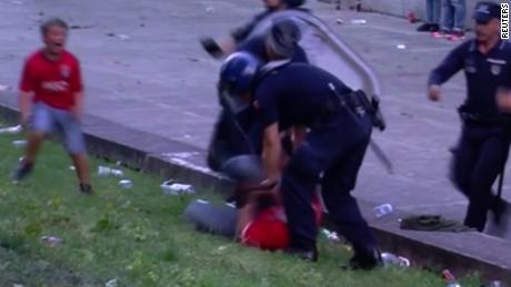 pkg soares portugal violence_00003106