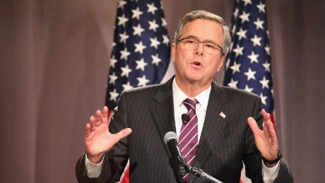 Former Florida Governor Jeb Bush speaks to guests at a luncheon hosted by the Chicago Council on Global Affairs on February 18, 2015 in Chicago, Illinois. Bush delivered his first major foreign policy speech at the event as he continues to test the waters for a potential run for president in 2016.