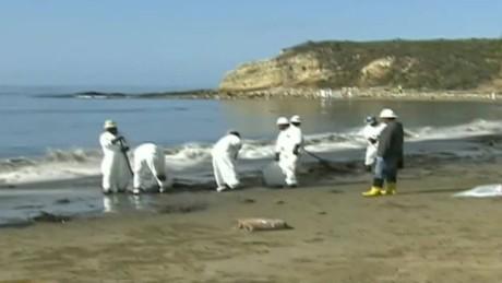 cnnee vo oil spill california_00001523