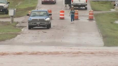 nr seg van dam texasx oklahoma flooding_00000215.jpg