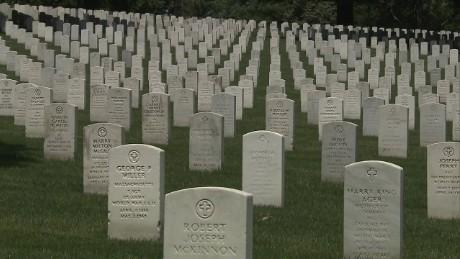sotu acosta memorial day arlington cemetery_00013711