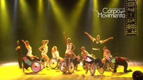 cnnee pkg valdez wheelchair dancing_00024503