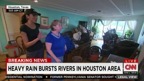 LV Flores Texas Flooding_00001710