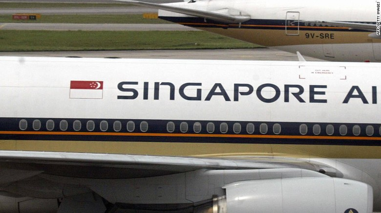Singapore Airlines jet 'faceplants' as landing gear retracts