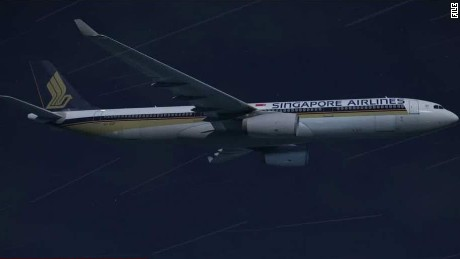 airplane engine failure singapore airlines marsh pkg lead_00004007.jpg