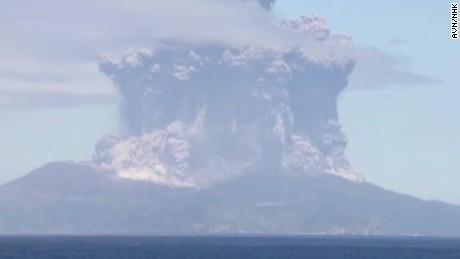 volcano eruption japan vo_00000830.jpg