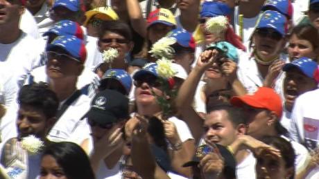 cnnee pkg osmary venezuela protest _00032629