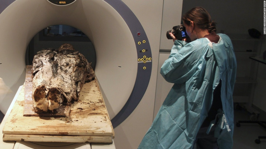 Preserved French noblewoman, aged 350 - CNN.com