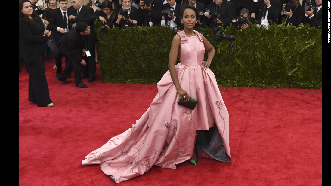 "Cracks about Kerry Washington being too thin have hit the ""Scandal"" star, as <a href=""http://www.people.com/people/article/0,,20752663,00.html"" target=""_blank"">People reported that she told Essence in 2007 </a>that she has struggled with eating disorders. ""I used food as a way to cope. There was a lot of guilt and a lot of shame."""