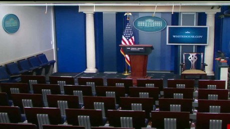 cnnee pressroom evacuate the White House_00041204