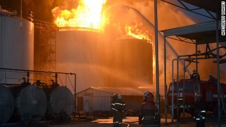 oil depot fire ukraine black pkg_00011910