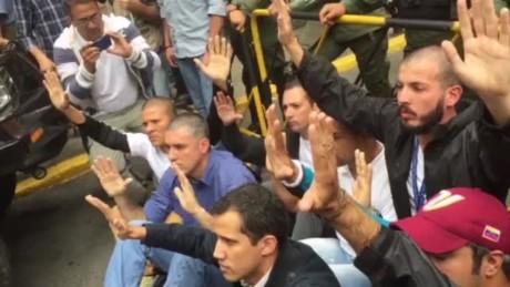cnnee vo venezuela protests in front of cne_00015820