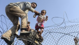 U.S. to take at least 10,000 more Syrian refugees