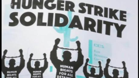 cnnee pkg fernandez ariozna immigrants hunger strike for human rights_00002811