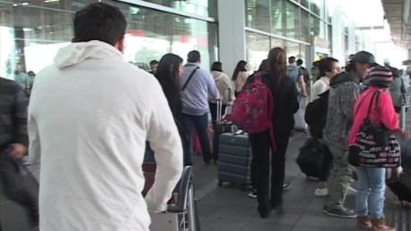 cnnee pkg ramos colombia no visa young people _00000806