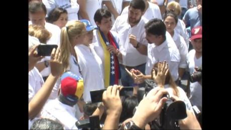 cnnee pkg hernandez opposition candidates_00002227