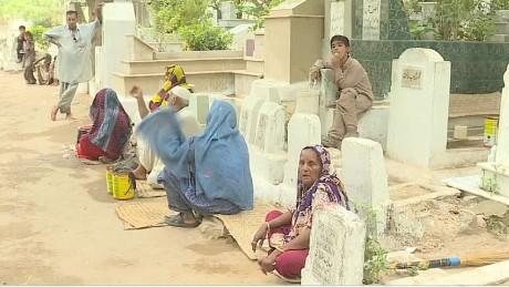 pakistan heatwave claims lives pkg mohsin wrn_00011105.jpg
