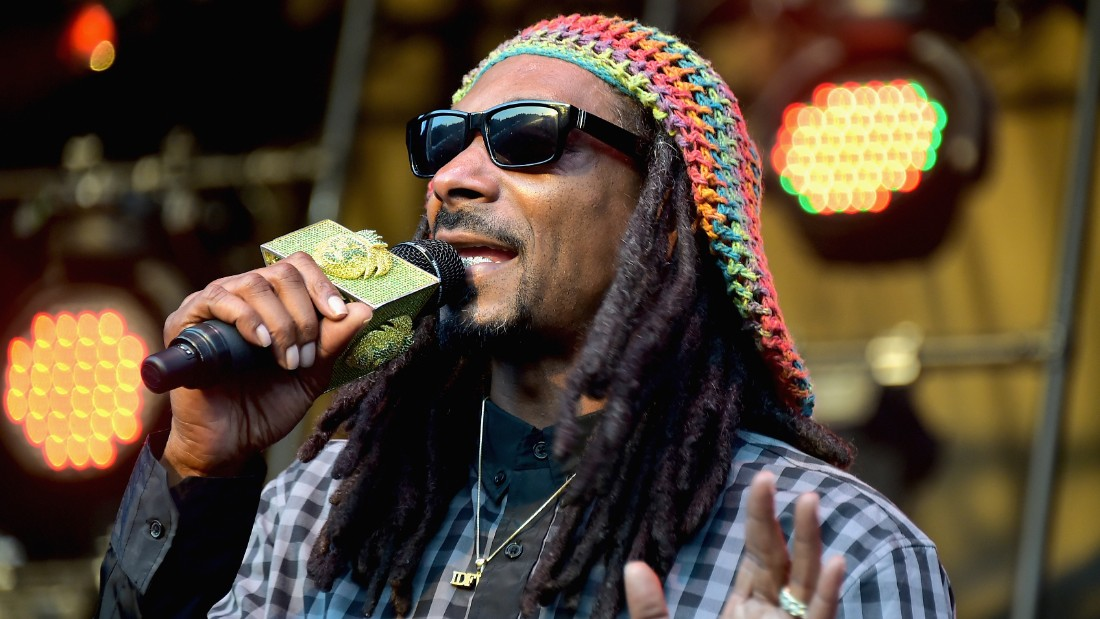 Rapper Snoop Dogg performs onstage during day 4 of the Firefly Music Festival on June 21, 2015 in Dover, Delaware.
